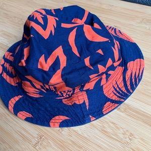 🍭Quiksilver reversible bucket hat